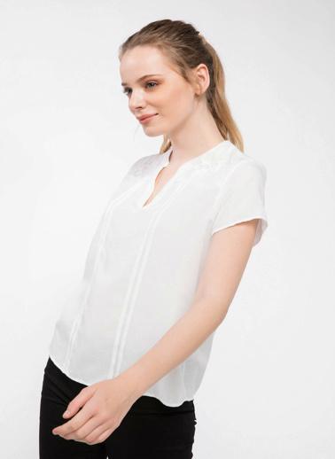 DeFacto Dantel Detaylı Bluz  Ekru